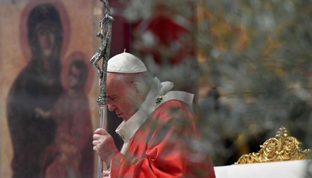 Pope Francis at Palm Sunday Mass in near-empty St. Peter's Basilica: 'Let us stand before the crucifix in our homes'…