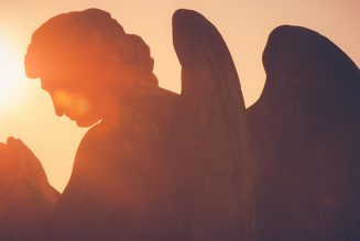 Send your guardian angel to Mass with this prayer…