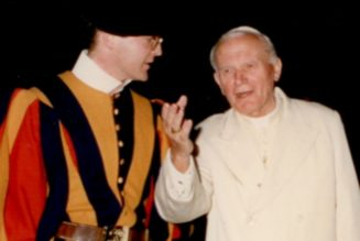 Former Swiss Guard: St. John Paul II offered witness of 'hope and self-giving'…