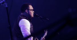 Israel Houghton – Jesus At The Center