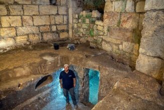 Living underground before the Romans? 2,000-year-old rooms found near the Western Wall | The Times of Israel…