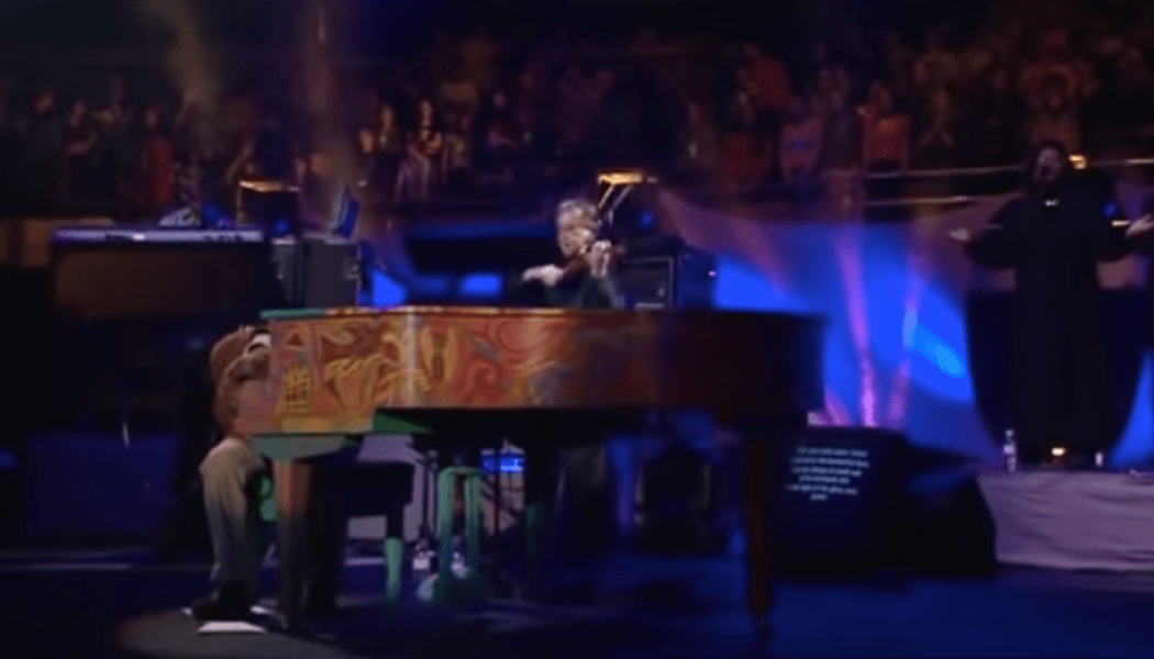 Michael W Smith – Turn Your Eyes Upon Jesus