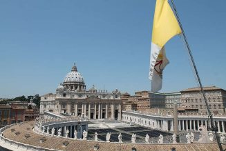 Pope Francis names lay finance expert as secretary of APSA…