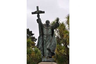 Protesters mark Juneteenth with destruction of St. Junípero Serra statue in California…