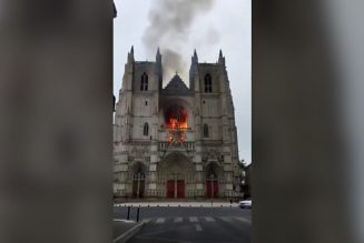 Arson suspected in major fire at Saint-Pierre-et-Saint-Paul cathedral in Nantes, France…