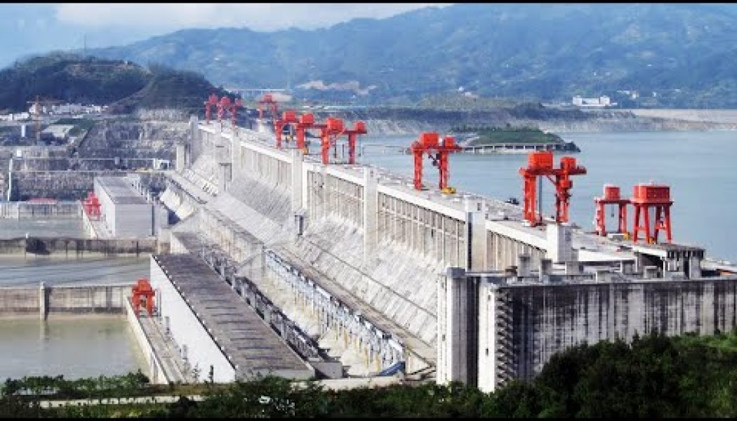 Here's an illustration of the jaw-dropping scale of the world's largest dams…