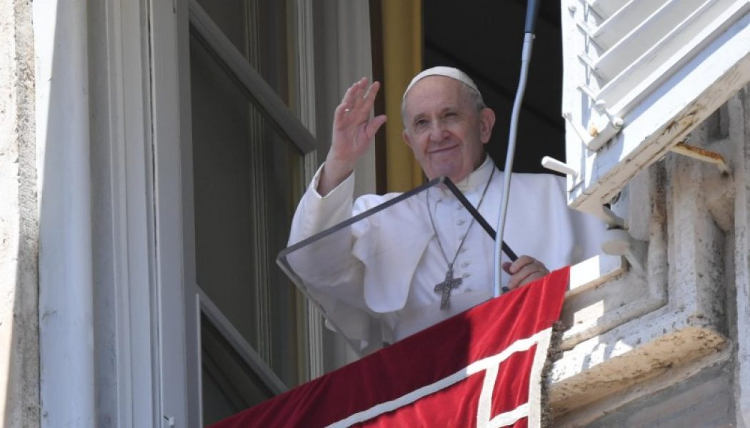 Pope's Sunday Angelus: 'Jesus invites us to go to Him and to follow Him to find solace'…