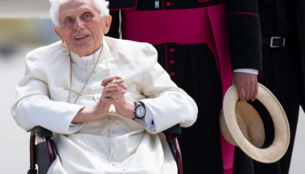 """Benedict XVI """"very frail,"""" says biographer; suffering from facial shingles since visit to Germany…"""