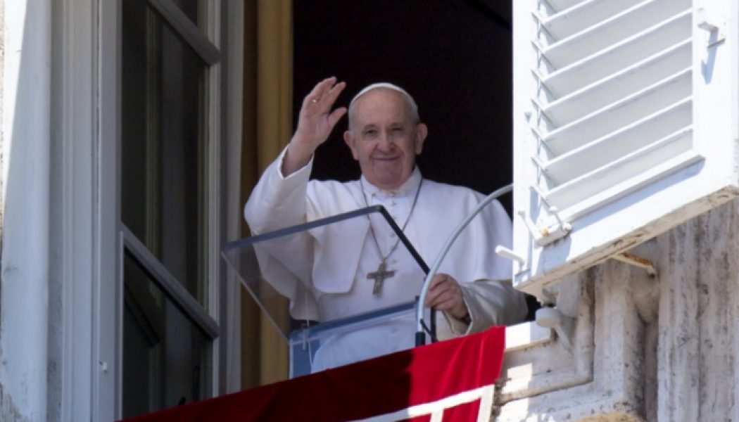 Pope's Sunday Angelus: 'Christian Charity is not simple philanthropy'…