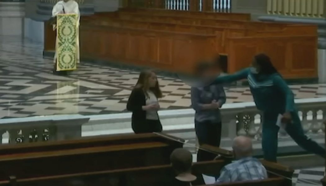 Reader attacked during livestreamed Mass at Philadelphia cathedral…