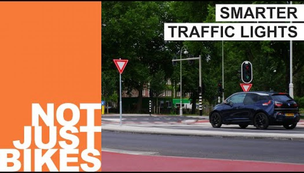 The ingenious reason why the Dutch wait less at traffic lights…