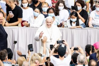 Pope holds first live Wednesday audience since lockdown, says 'solidarity can give solidity' to a post-pandemic world…