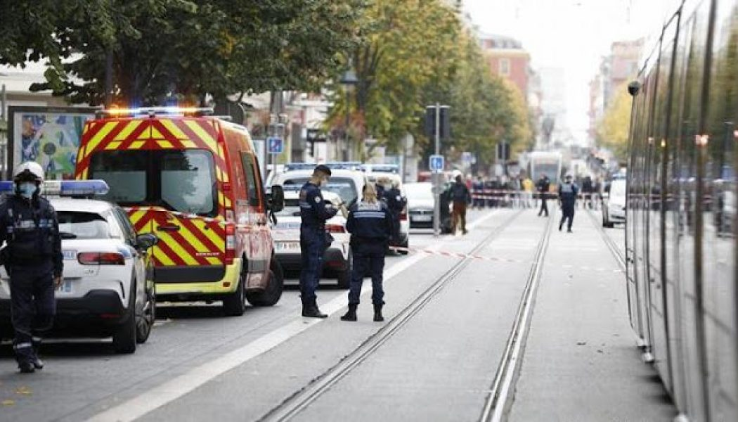 France: Knife attack at church in Nice leaves three dead
