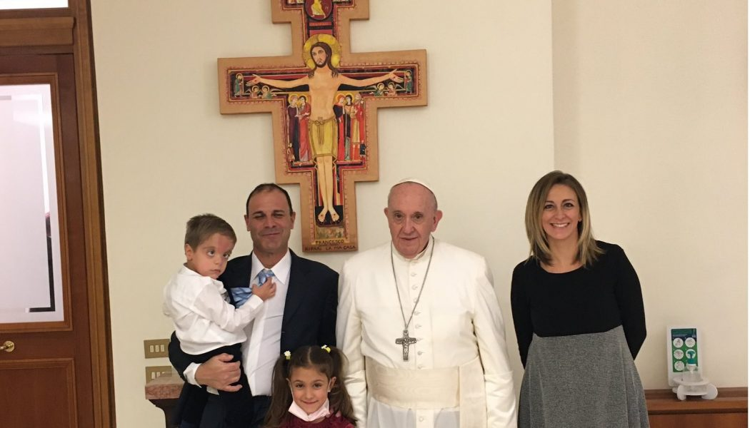Francis 'unplugged' from being pope in meeting with Argentine ice cream shop owners…