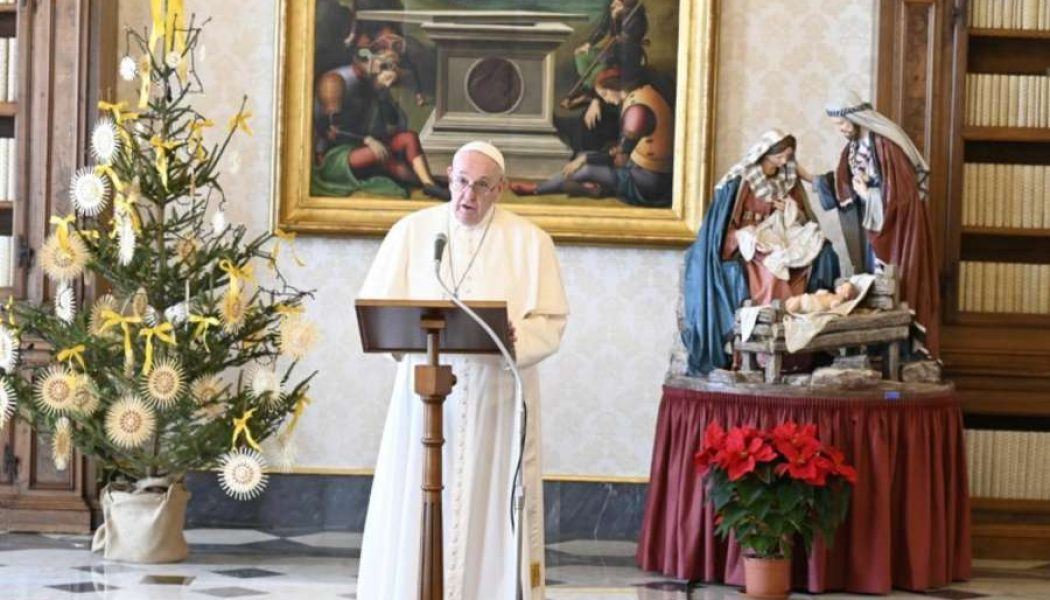 At Angelus for Feast of the Holy Family, Pope announces year of 'Amoris Laetitia Family' beginning March 19…