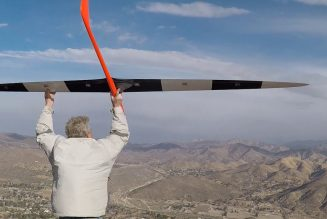 "Using an aerodynamic oddity called ""dynamic soaring,"" an RC glider just hit 548 mph in a record-breaking flight…"