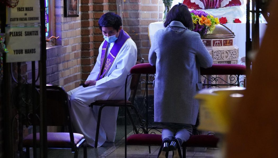 Vatican says general absolution still permissible during pandemic…