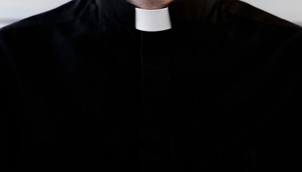 Chicago priest steps aside after Tik Tok video of 1984 allegation…