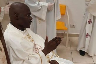 Priest with cancer dies 23 days after his hospital room ordination…