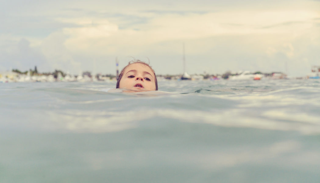Important summertime reminder: Drowning doesn't look like drowning. Here's how to know when someone is in trouble, and how to respond…..