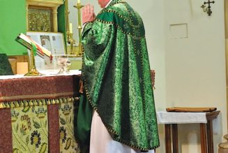 The meaning of the colors at Mass, and the connection with the Temple of Jerusalem…